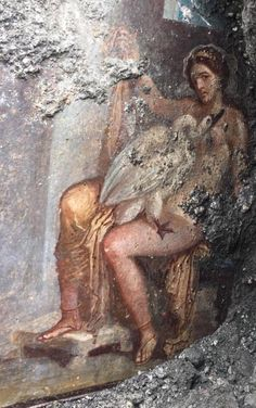 A large fresco of refined workmanship depicting Leda and the Swan was found in the Cubiculum of the House with Painting of Priapus on Via del Vesuvio in Pompeii Rome Painting, Mural Painting, Fresco, Ancient Rome, Ancient History, Pompeii And Herculaneum, Pompeii Ruins, Roman Art, Greek Art
