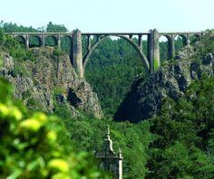 Ponte Gundián sobre el río Ulla, A Coruña, España
