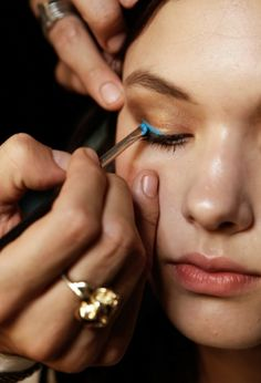 makeup trends, blue eyelin, color, neon, pink lips, beauti, painted faces, electric blue, eyes