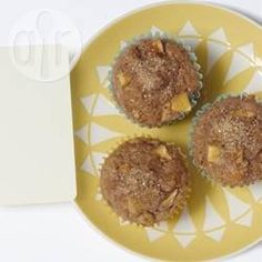 Apple and Honey Muffins Low Fat Muffins, Apple Muffins, 300 Calorie Breakfast, 300 Calories, Muffin Cups, Cinnamon Apples, Allrecipes, Oven, Desserts