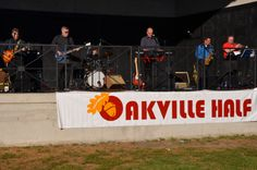 A live band at the finish area!