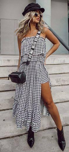 cool outfit idea / hat + bag + plaid maxi dress + boots