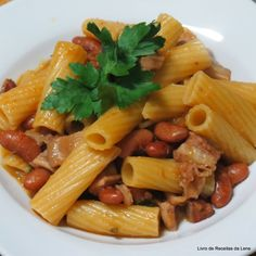 Pasta Recipes, Cooking Recipes, Portuguese Recipes, Portuguese Food, Pasta Salad, Tasty, Food And Drink, Chicken, Meat
