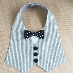Baby Bibs Patterns, Baby Girl Dress Patterns, Dresses Kids Girl, Baby Boy Dress, Baby Boy Outfits, Kids Outfits, Baby Sewing Projects, Sewing For Kids, Baby Staff