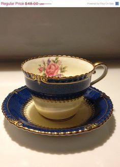 Vintage Aynsley Bone China England Teacup by VisualaromasVintage