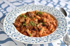 Yami Yami, Romanian Food, Goulash, Recipes For Beginners, Thai Red Curry, Stew, Good Food, Ethnic Recipes, Kitchen