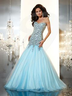 Jacquelin Bridals Canada - 14645 - Prom - Sweetheart neckline, low torso, heavily beaded and sequined bodice, full tulle skirt with train.