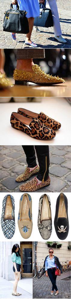 Os slippers são a tendência no momento e já vieram para ficar nos pés de quem é amante da moda! Os slippers são super confortáveis e práticos, além de deixar o look mais charmoso! Nós amamos e já compramos o nosso!!! E vocês, vão aderir?! Beijos!!