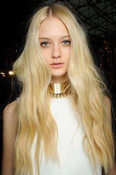 """NastyaKusakina.ナスティア・クサキナorナスティヤ・クサキナ。ロシア出身のファッションモデルです。1996年生まれです。アレキサンダー・マックイーン,ジルサンダー,ルイヴィトンなど数多くのブランドのショーに出たことがあります。NastyaKusakina.☟Pleaseclickpicture.今までブログに掲げた女優や歌手はこちらからが検索しやすいです。MyMusicList""""Musicgot""""atYoutubeandmore.Pictures画像の量もかなり増えましがこちらからも検索してみてください。男イチコロファッションモデル#38.NastyaKusakina."""