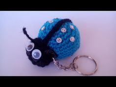 Coccinella Portachiavi Amigurumi Tutorial - Keychain Ladybug Crochet - L. Crochet Thread Size 10, Crochet Bee, Crochet Toys, Tutorial Amigurumi, Doll Tutorial, Crochet Key Cover, Crochet Dog Patterns, Crochet Decrease, Crochet Keychain