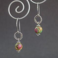 zoisyt z rubinem - kolczyki srebrne (sprzedawca: Małgorzata Zbęk), do kupienia w DecoBazaar.com