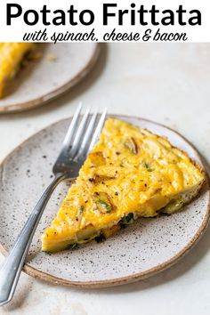 A healthy, satisfying oven baked potato frittata with spinach, cheese, and bacon. It's easy and perfect for any meal!#breakfast #brunch #breakfastcasserole #wellplated