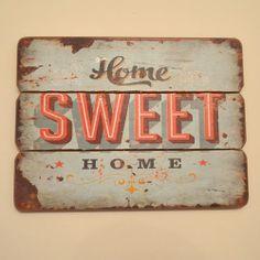 Cartel retro de publicidad simulando publicidad de los años 50 Home sweet Home