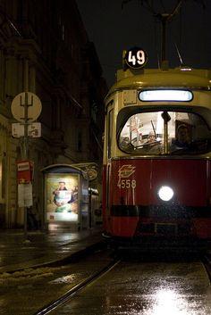 Wiener Strassenbahn / Tramway in Vienna Bratislava, Budapest, Trains, Honeymoon Pictures, London View, Light Rail, City That Never Sleeps, Vienna Austria, Vienna