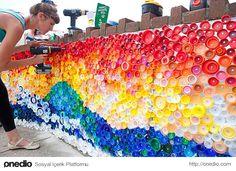 4. Sandy Kasırgası'nın getirdiği kapaklarla yapılan duvar dekorasyonu