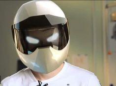 (電腦合成圖片) 電單車用嘅實境GPS 功能頭盔?咁簡單?我話佢哋一定係秘密開研發 #IronMan 嘅盔甲!去片:http://ow.ly/qjcep
