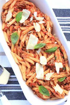 ValSoCal: Penne with Light Turkey Ragu Ground Turkey Dinners, Ground Turkey Pasta, Great Pasta Recipes, Dinner Sides, Dinner Is Served, Cooking Light, Penne, Light Recipes, I Love Food