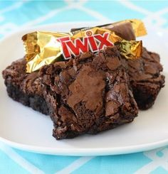 Recipe For Twix Caramel Brownies - The Twix candy bar chunks add a pleasant crunch to the fudgy brownies and the caramel creates tunnels of sweet, ooey, gooey, goodness