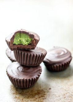 5-Ingredient Dark Chocolate Matcha Coconut Butter Cups. Super easy and vegan. Perfect for holiday cookie exchanges!
