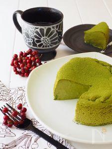 瞬溶け!生スフレ抹茶チーズケーキ Food N, Food And Drink, Matcha Cake, Green Tea Ice Cream, Green Tea Recipes, Matcha Smoothie, Different Cakes, Sweets Cake, Homemade Cakes