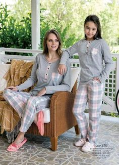 Yeni İnci CKP 316 Kids Pajamas Set will make you redefine comfort when you wear this cozy and stylish set. Kids Nightwear, Cute Sleepwear, Girls Sleepwear, Pajama Suit, Pajama Outfits, Night Suit For Girl, Pijamas Women, Cosy Outfit, Womens Pyjama Sets