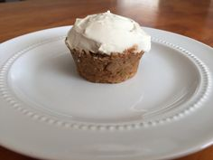 Skinny Carrot Cake Cupcakes | The Hungry Lightweight