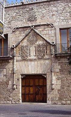 Entrada a la Casa del Cordón. Burgos