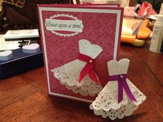 Doily Dress Folds Tutorial: great idea for bridal shower invites/wedding cards Doily Wedding, Wedding Cards, Wedding Dress, Wedding Wishes, Wedding Paper, Cute Cards, Diy Cards, Bridal Shower Cards, Dress Card