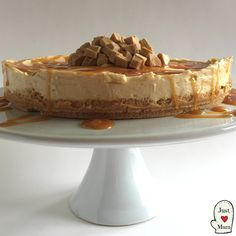 New Zealand and Australia is currently in the grips of a Caramilk Frenzy! So I thought I would join in - oh boy you will love this Caramilk Cheesecake! I am delighted to share with Yummy Treats, Delicious Desserts, Sweet Treats, Yummy Food, Awesome Desserts, Cold Desserts, Beautiful Desserts, Cheesecake Recipes, Dessert Recipes