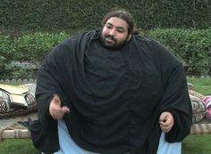 Arbab, thường được biết với cái tên Khan Baba, đến từ thành phố Mardan. Gần đây, tên tuổi anh bắt đầu được biết đến trên mạng Internet nhờ thân hình to lớn khó tin và những thành tích đáng kinh ngạc như chặn cả chiếc máy kéo bằng hai tay không và chỉ dùng một tay với ô tô. Không những thế, anh c...  http://cogiao.us/2017/01/17/nguoi-khong-lo-pakistan-nang-hon-400kg/