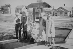 It was a bonus when the motel your folks pulled up to for the night had a miniature golf hole out in front!  - 1963