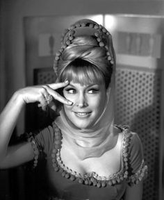 I Dream of Jeannie Photo Gallery Sidney Sheldon, Barbara Eden, I Dream Of Jeannie, Beautiful Celebrities, Beautiful Actresses, Beautiful Women, Bionic Woman, Elizabeth Montgomery, Ideal Beauty