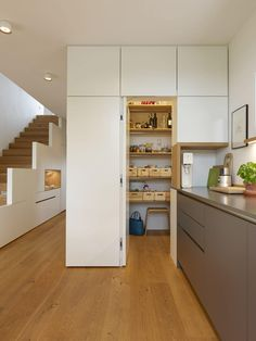 Projekt 07 Innenausbau Kubus - Eiche natur + BetonART + Mattlack weiß House Paint Interior, Interior Design, House Windows, Cuisines Design, New Kitchen, Home And Living, Home Furniture, Sweet Home, New Homes