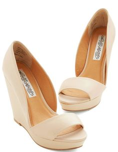 pretty casual #tan wedges http://rstyle.me/n/hx8bzr9te