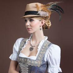 Oktoberfest Outfit, Fascinator Hats, Headpiece, German Outfit, German Women, German Fashion, Boho Look, Traditional Dresses, Gorgeous Women