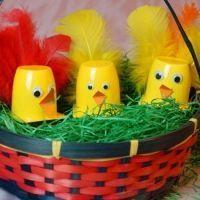 Wir suchen noch nach ein paar süßen Ideen, wie wir dieses Jahr Ostern mit den Kindern noch fröhlicher gestalten können. Dabei sind wir über diese süße Idee gestolpert. Ist das nicht wonnig?  Weitere schöne Ideen für Essen, Deko, Spiele und Give-aways für Deine Kindergeburtstagsparty findest Du auf blog.balloonas.com  #kindergeburtstag #balloonas #ostern #basteln #mitkindern #diy #deko