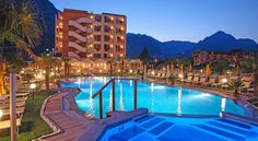 Hotel Savoy Palace - TonelliHotels Riva Del Garda Offering a large garden with pool and hot tub, Hotel Savoy Palace is set in Riva del Garda, 300 metres walk from the nearest beach. It features rooms with a balcony.