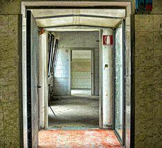 Depth and doors  #exploretocreate #abandonedplaces #urbanexplorer #ghosttown #canon #reflex #droneforgood #urbexitalia #Holiday #instatravel #urbex #love #aerialphotography #photooftheday #decay #travel #createcommune  #getoutandexplore #exploring #agameo