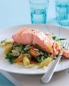 Recipe For Poached Salmon, Rice In The Microwave, Salmon Fillets, Salmon Recipes, Wok, Vinaigrette, Green Beans, Crisp, Turkey
