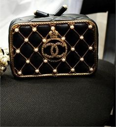 Chanel handbags – High Fashion For Women Chanel Fashion, Fashion Bags, Fashion Accessories, 1930s Fashion, Fashion Plates, Fashion Vintage, Victorian Fashion, Fashion Handbags, Fashion Fashion
