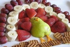 Thanksgiving Fruit Turkey tray from Positively Splendid Thanksgiving Fruit, Thanksgiving Recipes, Fall Recipes, Holiday Recipes, Thanksgiving Projects, Thanksgiving Appetizers, Canadian Thanksgiving, Thanksgiving Sides, Christmas Desserts