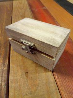 small wooden box! Small Wooden Boxes, Jewerly, Decorative Boxes, Home Decor, Jewlery, Decoration Home, Room Decor, Schmuck, Jewelry