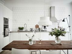 As small kitchen dining home areas using a kitchen that the above kitchen cabinets home. Backsplash ideas to get a small kitchen kind, of daring glistening inch of you layout ideas. White Kitchen Interior, Diy Interior, Interior Design Kitchen, Scandinavian Interior, Scandinavian Style, Scandinavian Lighting, Scandinavian Apartment, Scandinavian Kitchen, Sweet Home