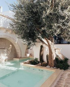 Nearest Indoor Swimming Pool – Popular Pools Design Outdoor Spaces, Outdoor Living, Outdoor Decor, Beautiful Homes, Beautiful Places, Pool Designs, Exterior Design, Modern Exterior, Swimming Pools