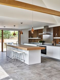 new kitchen trends which ones are your favorite 2 - censiblehome Kitchen Design Small, Contemporary Kitchen, Kitchen Design, Kitchen Renovation, Open Plan Kitchen Living Room, Kitchen Interior, Kitchen Layout, Kitchen Furniture Design, Modern Kitchen Design