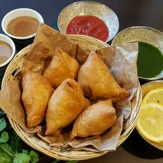 Punjabi Samosas recipe by Affaf Ali at BetterButter South Indian Vegetarian Recipes, Indian Food Recipes, Dinner Recipes Easy Quick, Quick Easy Meals, Comida India, Quiche, Samosa Recipe, Desi Food, Evening Snacks