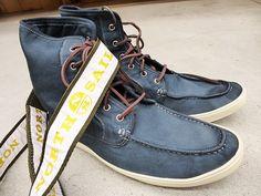 attenzione al dettaglio, anche fra le onde, scarpe  @NorthSails