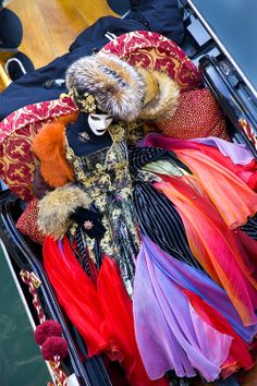 Carnival of Venice, Italy Carnival Date, Carnival Of Venice, Carnival Costumes, Venice Carnivale, Venice Mask, Venetian Carnival Masks, Venetian Masquerade, Costume Venitien, Creative Costumes