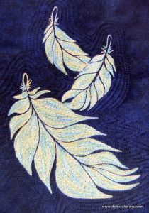 Thread Sketching in Action No 15 - Thread Painted Trio of Feathers - these feathers have been stitched with a variegated thread using free motion machine embroidery Sewing Machine Embroidery, Free Motion Embroidery, Free Motion Quilting, Art Quilting, Machine Applique, Quilting Projects, Thread Art, Thread Painting, Sketches Tutorial