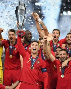 Portugal is on a roll! Can they be the number one national team after tonight's big win! Repost from . Cristiano Ronaldo Cr7, Cristiano Ronaldo Juventus, Ronaldo Wife, Ronaldo News, Ronaldo Jersey, Ronaldo Football, Football Soccer, Football Players, Juventus Fc